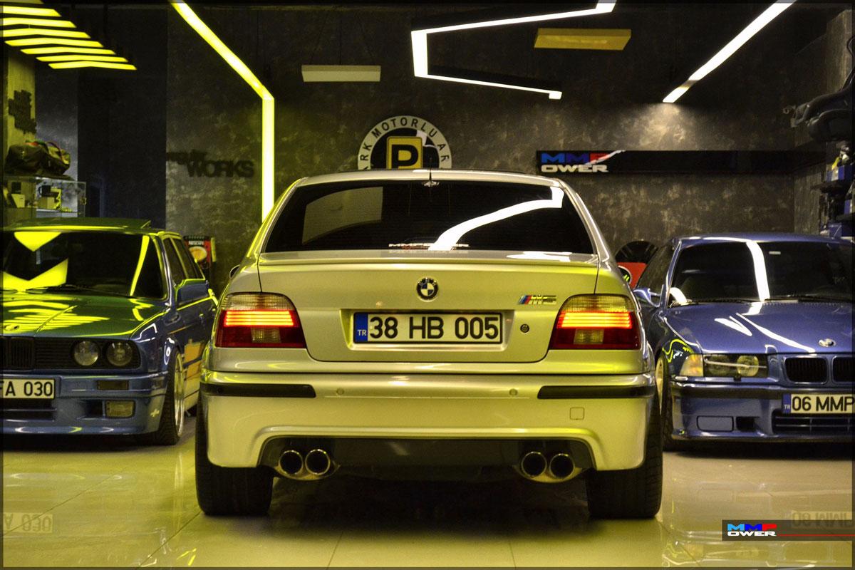 BMW E39 M5 ARKA TAMPON ÇITASI SOL